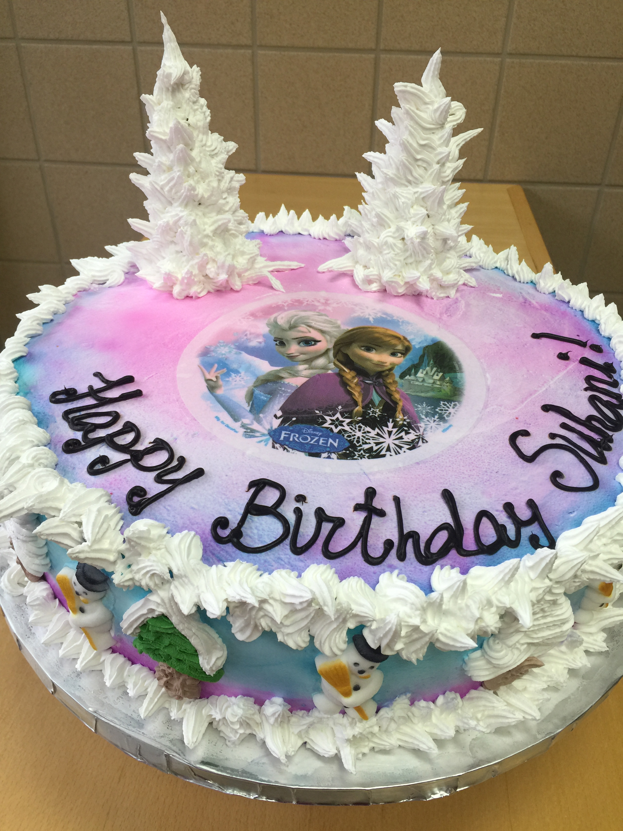 Disneys Frozen Themed Cake Wild Berries Bakery And Cafe