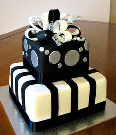 Excellent Black And White Mens 30Th Birthday Cake Wild Berries Bakery And Funny Birthday Cards Online Elaedamsfinfo
