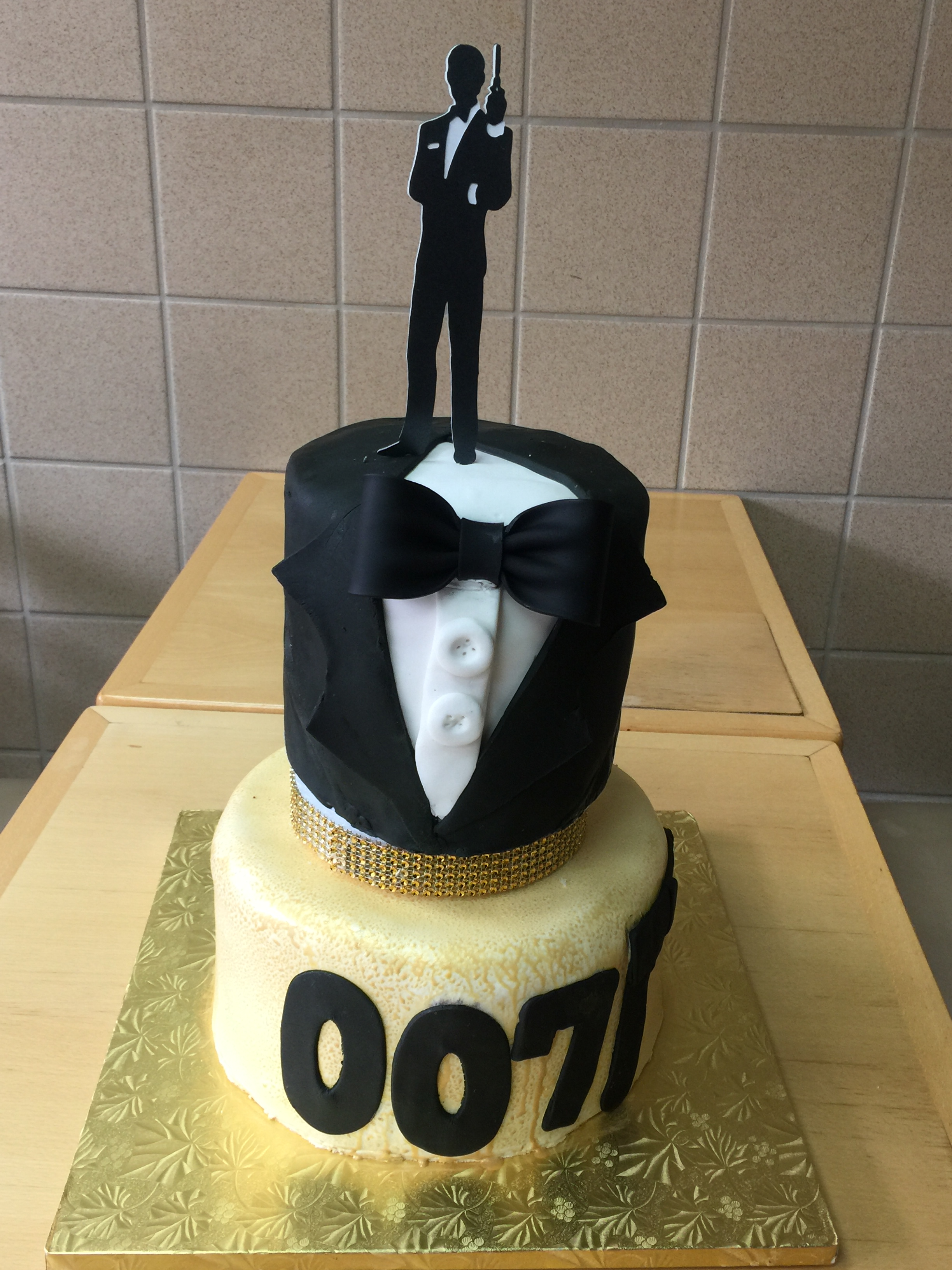 James Bond Themed 40th Birthday Cake