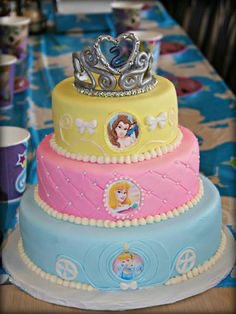 Pleasing Disney Princess Themed 5Th Birthday Cake Wild Berries Bakery And Personalised Birthday Cards Veneteletsinfo